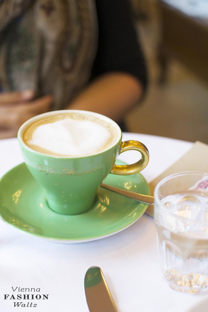 cafe-mozart15_viennafashionwaltz