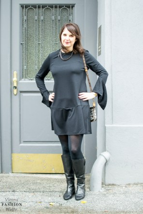 fashion-food-lifestyle-blog-wien-austria-osterreich-www-viennafashionwaltz-com-all-black-outfit-look-black-dress-3-von-50
