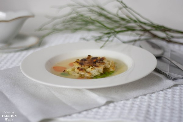 Kaspressknödel Suppe Salat Vienna Fashion Waltz