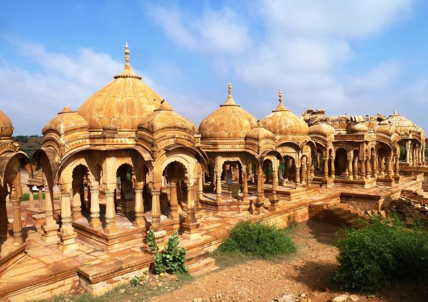 Cénotaphes royaux près de Jaisalmer en Inde
