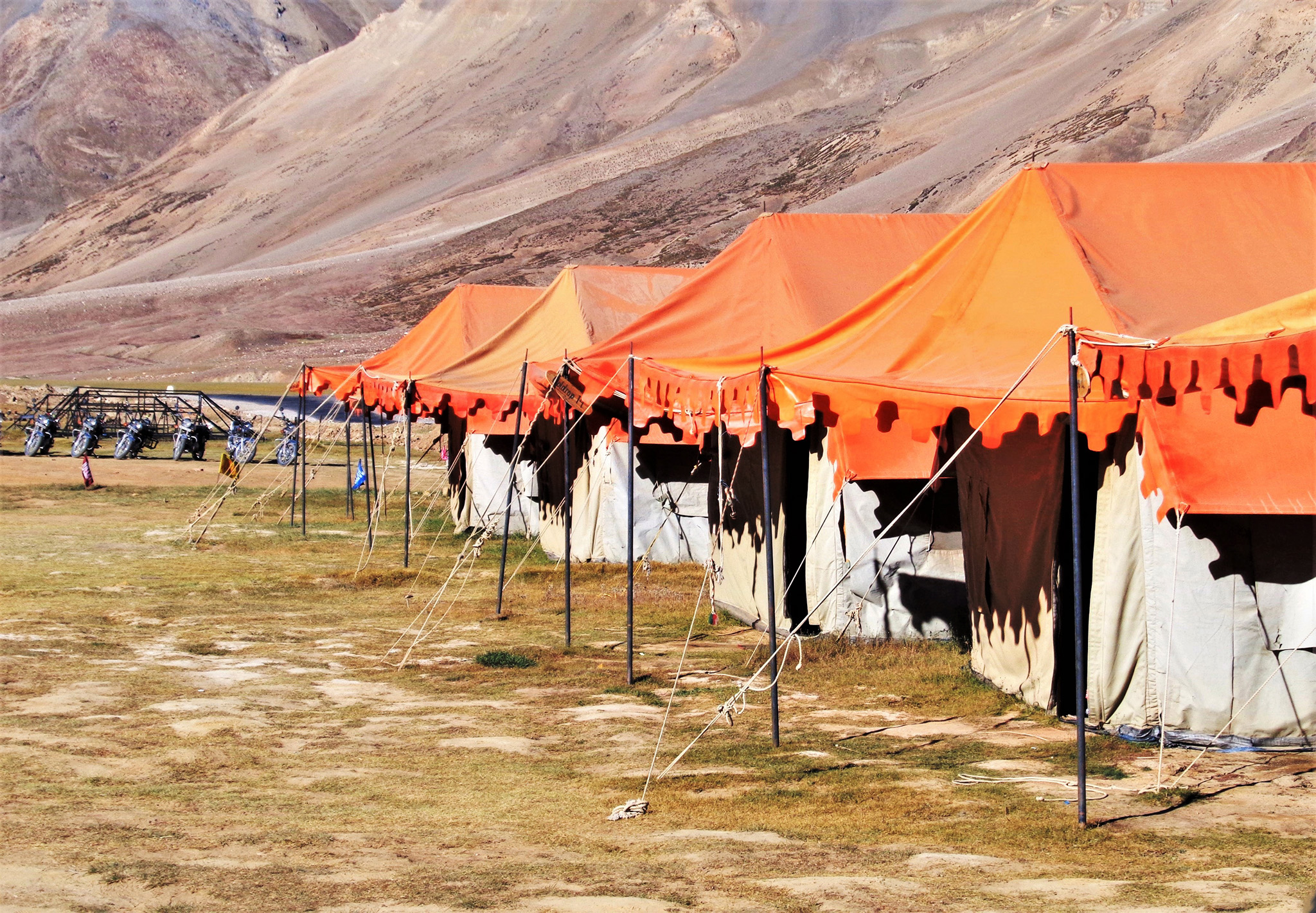 Tentes dans l'Himalaya