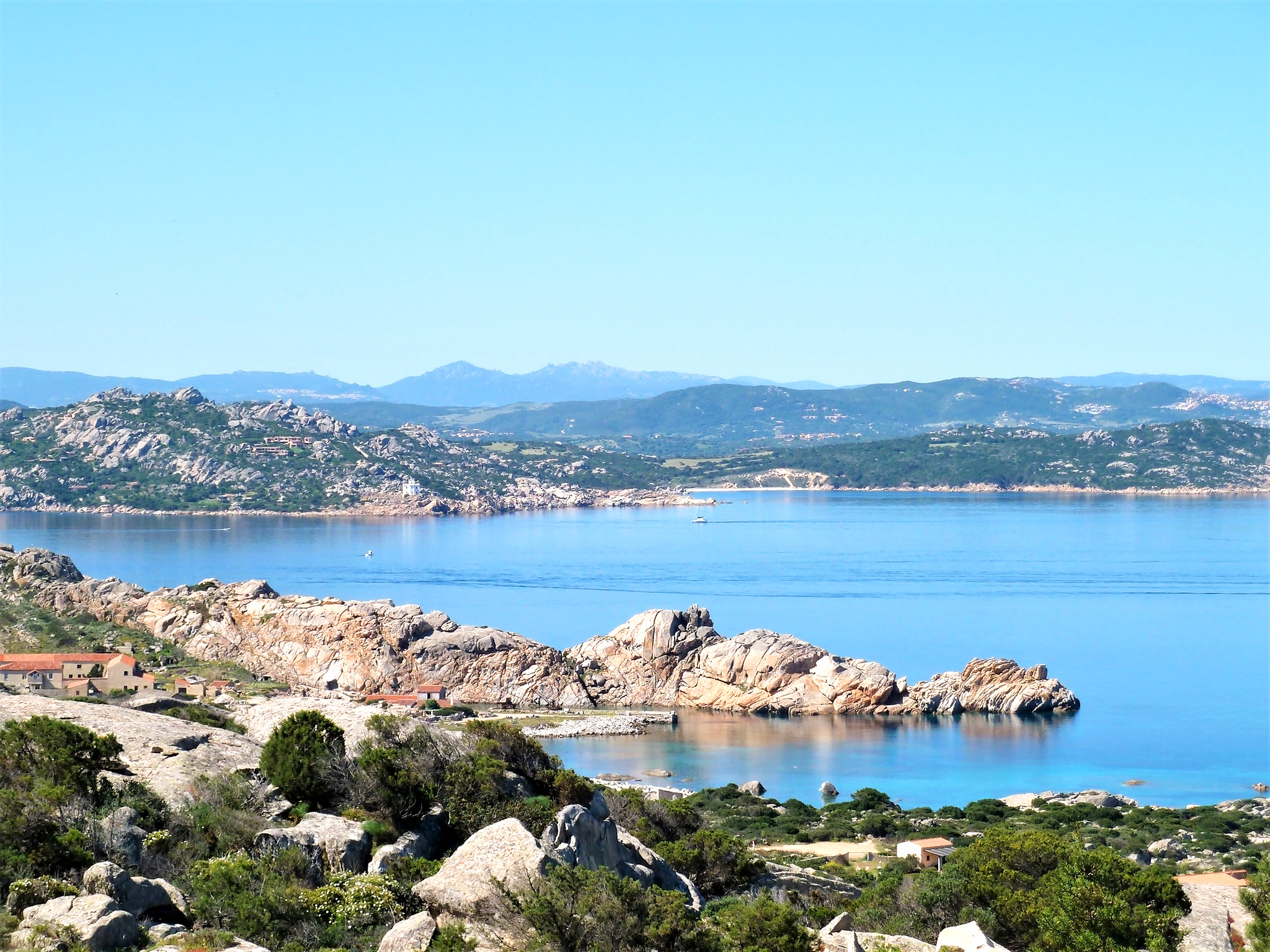 Cotes de l'ilede la Maddalena en Sardaigne