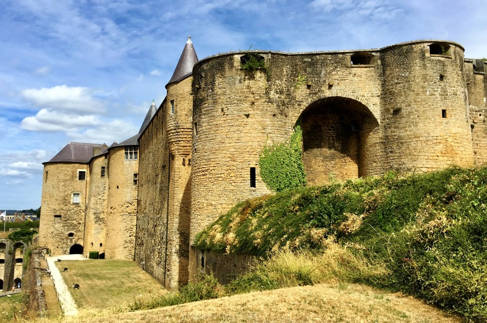 Le château fort de Sedan : un colosse de pierres