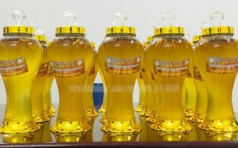 Sản phẩm Rượu Đông trùng Hạ thảo ngâm sẵn của Viện Nghiên cứu thảo dược Việt Nam
