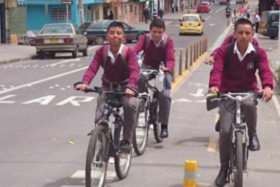 2.000 estudiantes de colegio se transportan a diario en bicicleta en Bogotá