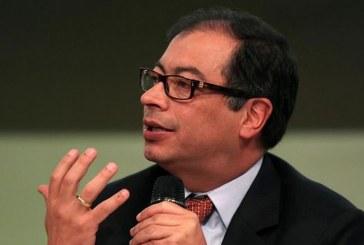 Alcalde Gustavo Petro denuncia presunta liquidación de Aguas Bogotá