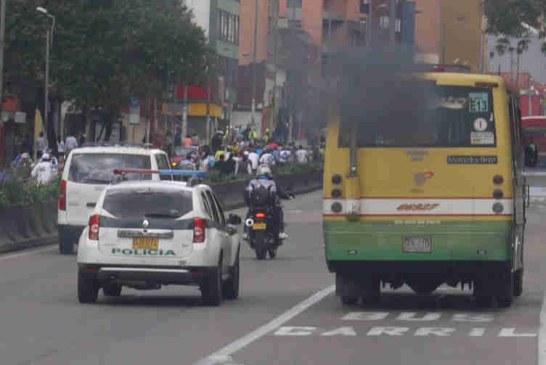 En 2016 más de 450 carros chimenea han sido inmovilizados en Bogotá
