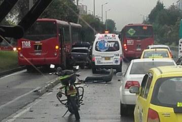 """Dos accidentes en Bogotá, """"trancón"""" monumental"""