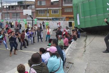 Mujeres del barrio San Blas aprenden taekwondo para defenderse de sus maridos