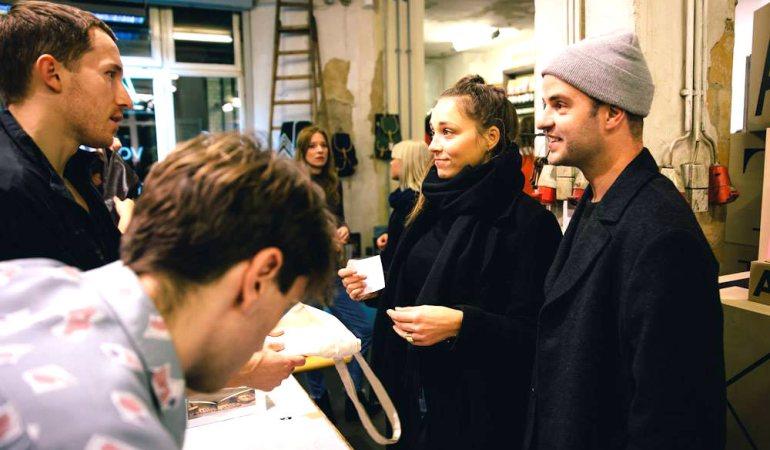 Stil in Berlins Winter Warm up: Kleider Spenden und dafür auch noch Preise gewinnen