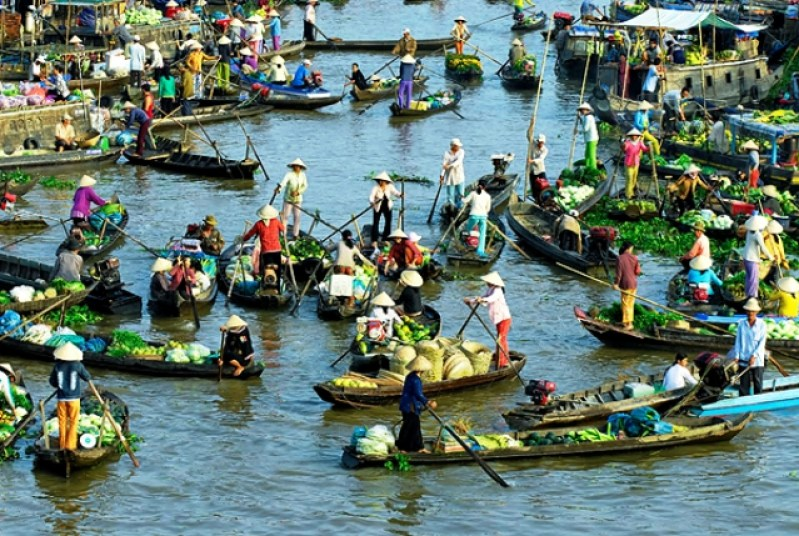 BEST SELLING VIETNAM FAMILY TOUR OF MARVELS