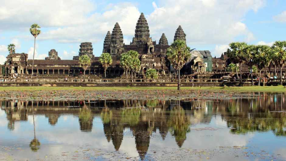 CAMBODIA TOUR OF ANGKOR TEMPLES & BEACH BREAKS