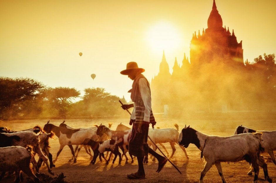 ESSENCES OF MYANMAR TOUR