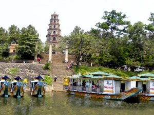 HALF-DAY HUE SIGHTSEEING TOUR TO THIEN MU PAGODA, IMPERIAL CITADEL