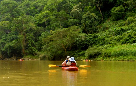 Hanoi and Ba Be Trekking and Homestay Tour for 4 Days