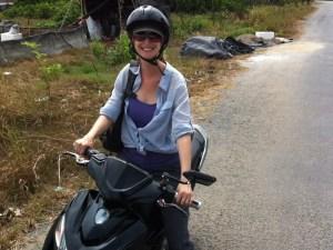 SAIGON MOTORBIKE TOUR DEEP INTO MEKONG DELTA
