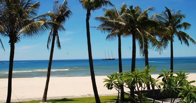 HA NOI - DONG HOI BEACH TOUR