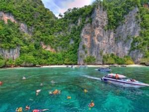 Essence of Phu Ket vacation beach_Thailand beach vacation