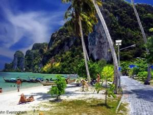 Unique Phi Phi beach vacation_Thailand beach tours