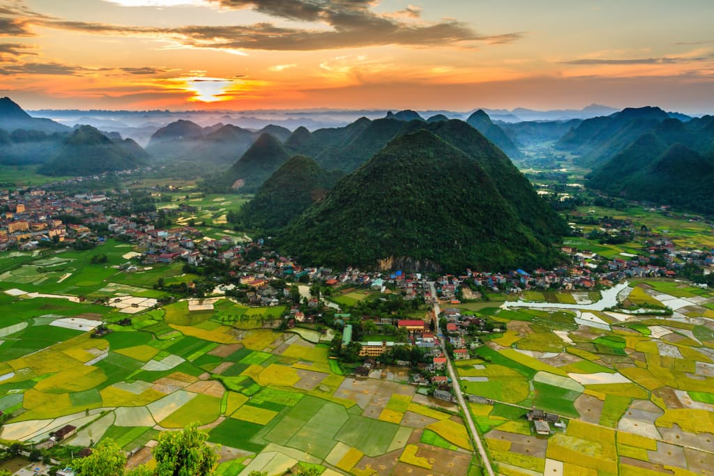 VIETNAM NORTHEAST HIKING TRIP FOR LANDSCAPES