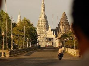 Saigon Upstream Cruise Tour to Siem Reap by RV Pandaw