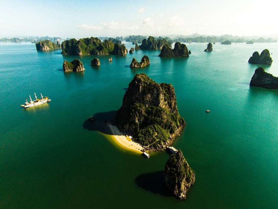 Halong Cruising Tour