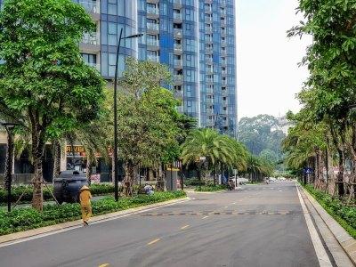 Vietnam_Hochiminh_Dist1_Vinhomes Golden River_Street (1)
