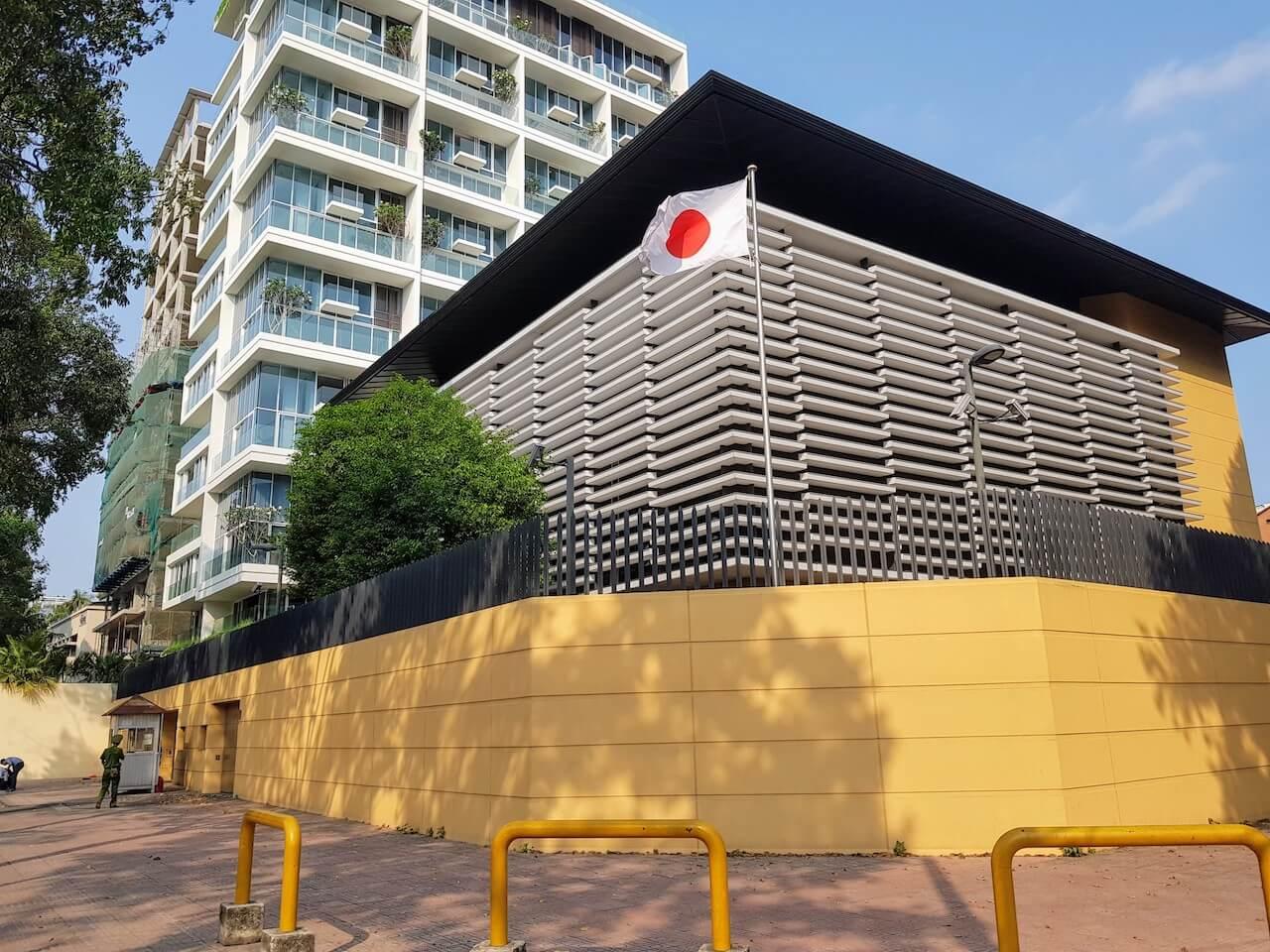 大使 館 ベトナム 日本