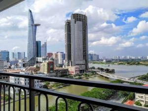 VietnaM_HochiminhーDist4_Saigon Rotal_View (1)