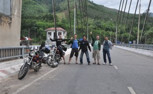 Motorbike tours in Central Vietnam Pic2