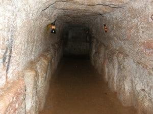 Vinh Moc Tunnels 1 300x225 - VINH MOC TUNNELS