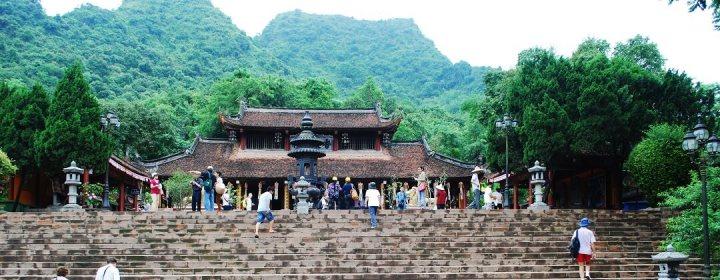 Perfume Pagoda (65 km ten zuidwesten van Hanoi)