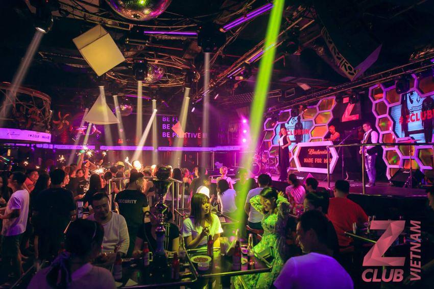 Ночной клуб ZIMA в Нячанге. Вид изнутри