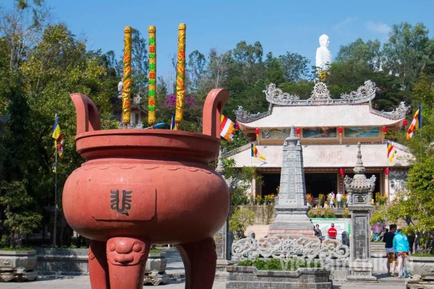 Главный храм в пагоде Лонг Шон