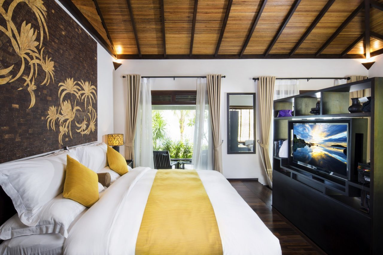 Amiana Resort. Спальня с видом на море