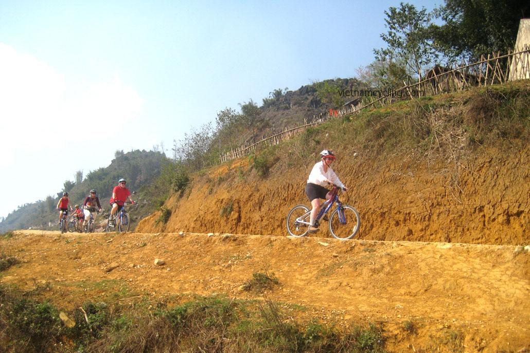 cycling bac ha vietnam
