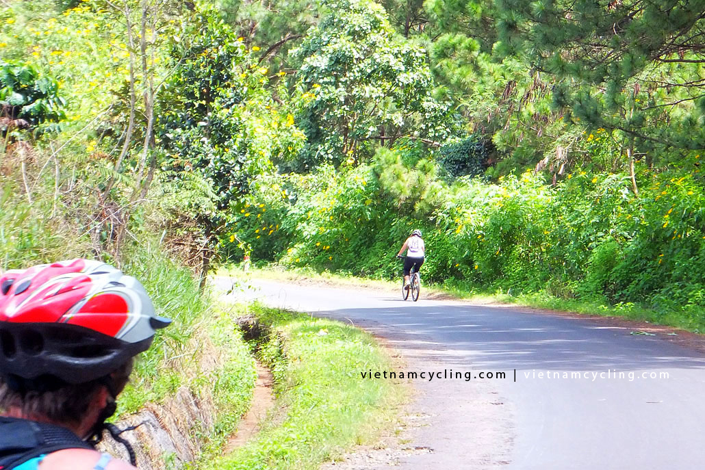 vietnam central highlands cycling photo 5