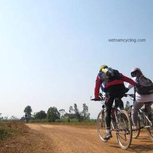 cycling hanoi ba vi