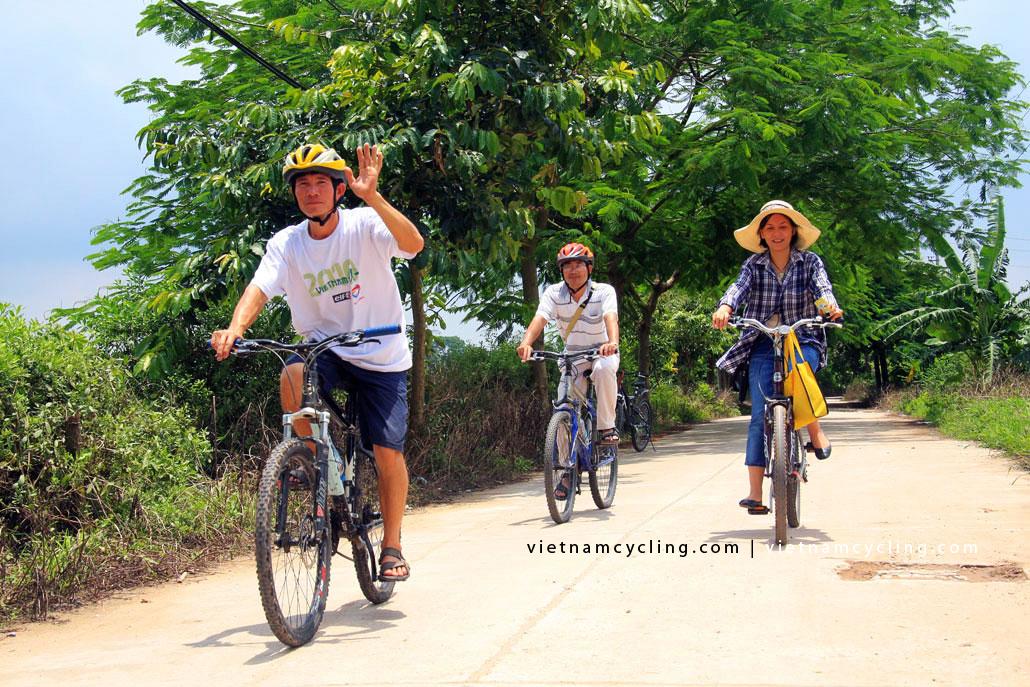 hanoi bat trang ceramic village photo, picture