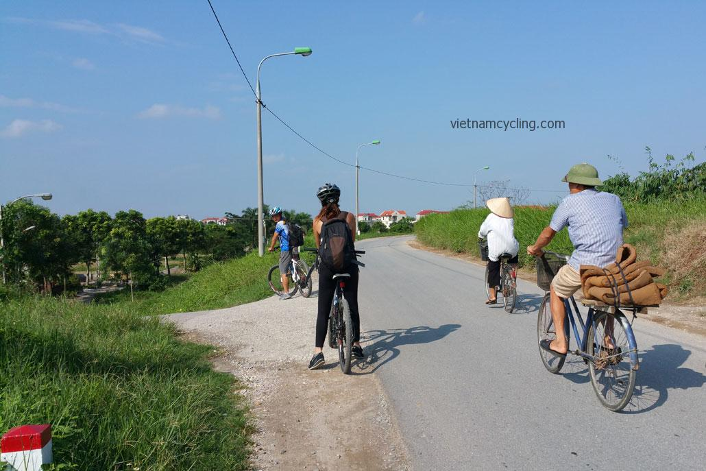 cycling hanoi dong anh