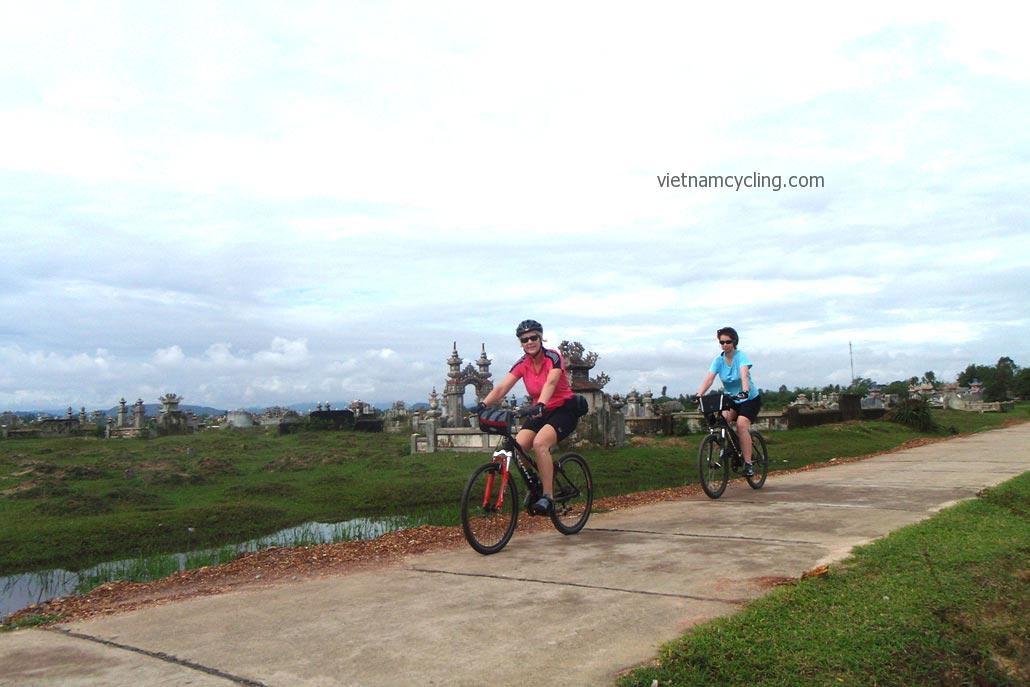 cycling hue hoi an