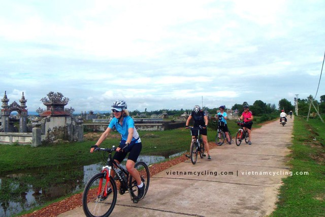 cycling hue hoian