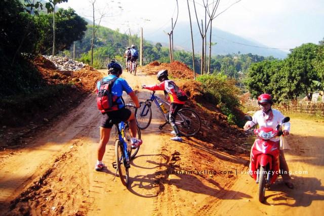 cycling mai chau, pu luong