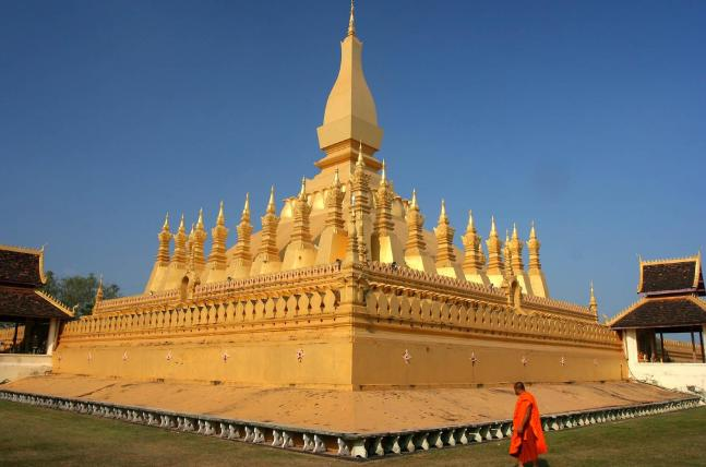 That Luang In Vientiane - Gallery : Laos attractions in photos