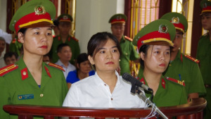 Tran Thi Nga at her trial on July 25, 2017. Source Vietnamnet- VOICE VIETNAM - tran-thi-nga-at-trial-july-2017 2