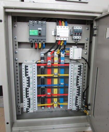 Thiết kế lắp đặt tủ điện công nghiệp và dân dụng 1