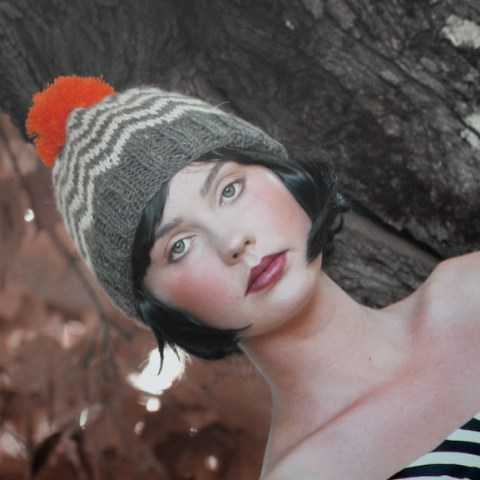 Vietto zig zag beanie with orange pom pom