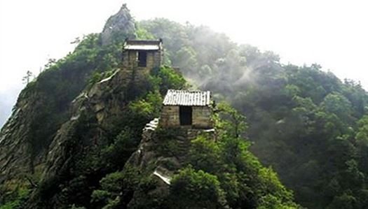 Little meditation huts on the clifftops built by Daoists