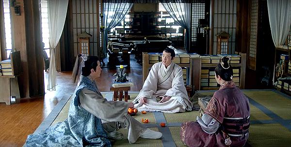 Mei Changsu meeting his friends in his living room