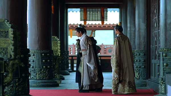 Mei Changsu and Prince Jing walked out of the sitting hall